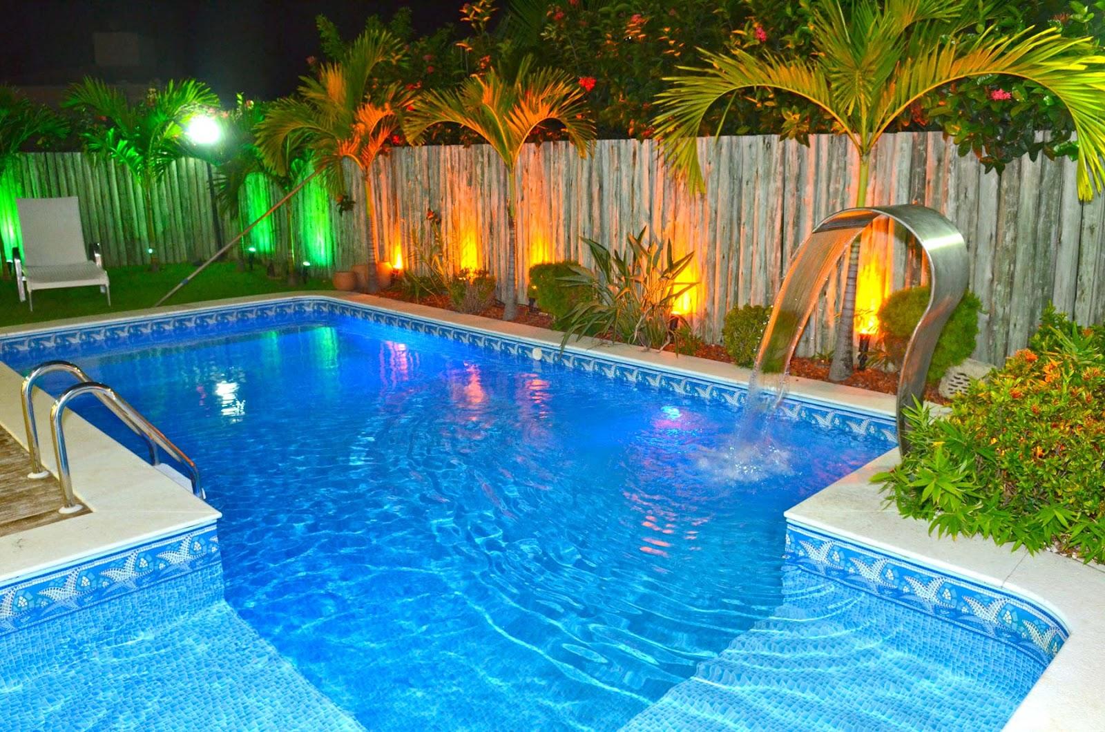 Ilumina o de piscinas gua viva piscinas for Modelos de piscina familiar